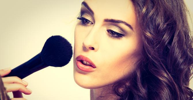 utiliser le maquillage pour grossir son visage : souvent une méthode efficace