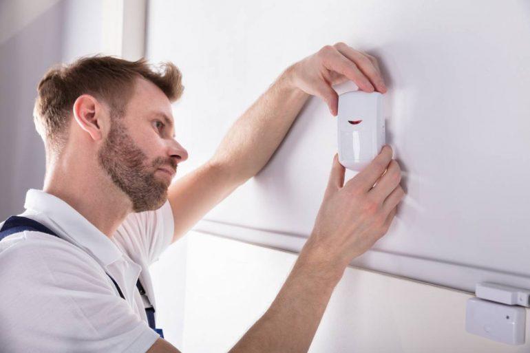 la pose d'une alarme domestique d'intérieur